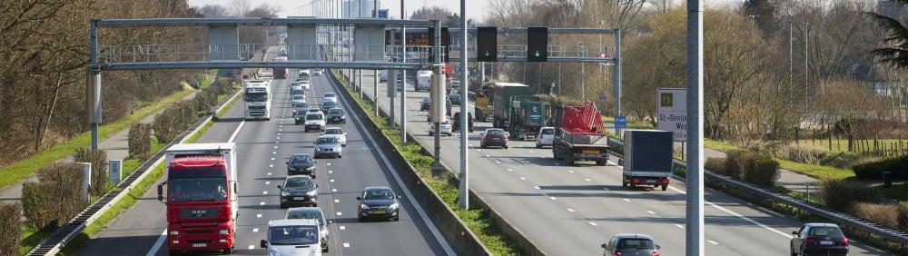 Zicht op een autostrade in Vlaanderen