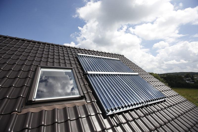 Zonneboiler op een dak