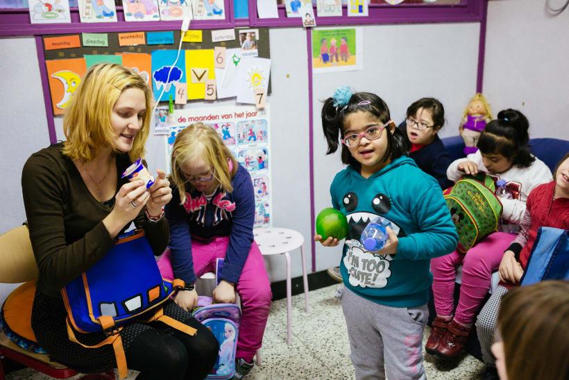 Kinderen met het syndroom van Down in de les.