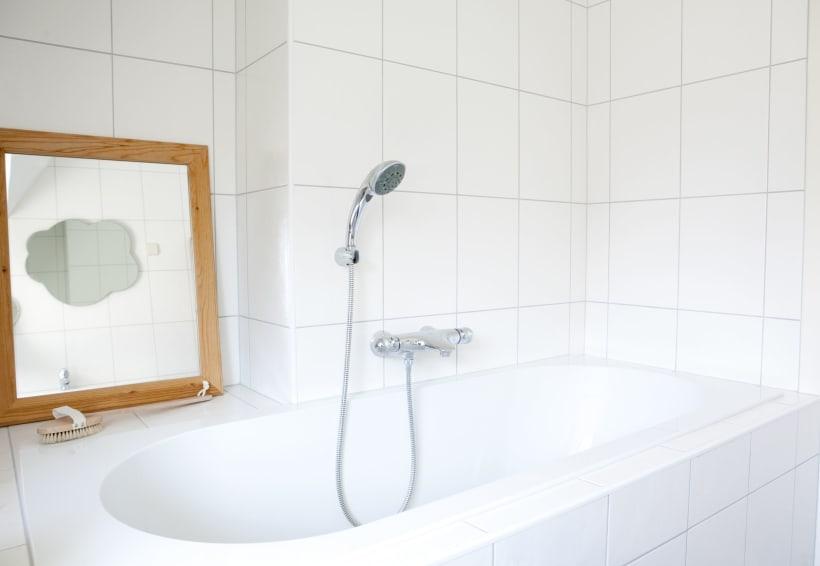 Bad met kraan en douchekop
